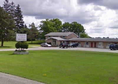 Wingham Lindon Motel Outside